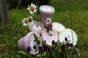 Joghurt mit Blumen