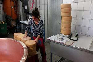 Yvonn gibt käse raus